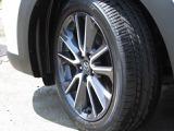 切削加工アルミホイルに組み込まれたタイヤのサイズは215/50/18 92Vになります。