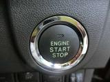 プッシュスタートです。エンジンの始動、停止がワンタッチ操作で出来ます。