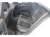 ☆後席は更にグッドコンディションです!前席はメモリー付きパワーシートです。また、前席・後席共にシートヒーターが装備されています!