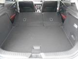 後席をすべてたおしていただければ大容量の荷室を作ることができます!