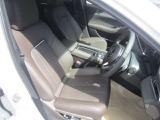 ★運転席&助手席パワーシート★丁寧な仕立てが生み出す質感!素材から伝わる感触。優れた機能性。細部にこめられたこだわり。上質でゆとりある空間です!