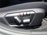 電動フロントシート♪シートポジションは2パターンまで記憶しておく事が出来ます!順番に運転するにはとても便利な機能です♪ランバーサポート付なので背中のシート圧をスイッチで調整できます☆