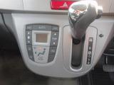 エアコンはオートエアコンで温度設定も簡単です。