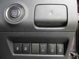 【キーレスプッシュスタート】!パワースライドドアなど各機能のスイッチは運転席から操作ラクラク。