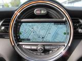 タッチパネル式HDDナビゲーション!モニターも見易い位置に!タッチパネルで操作も楽々です!