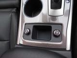 シートヒーターは運転席、助手席を別々に調整出来ます。