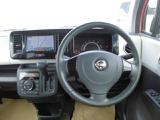 広くて開放的な、視界のいい運転席