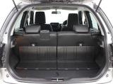 防汚タイプラゲッジフロア(リアシートバック背面・ラゲッジボード・スライドラゲッジボード)が採用されています。
