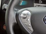 ナビゲーションのメニュー、音量など、ステアリングから手を離さずに操作できます。