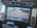 目安線がバック駐車をしっかりサポートしてくれるバックビューモニター付で安心♪