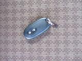 ◆インテリジェントキー◆インテリキーは両手がふさがっていてもバックに入れたままでドアの開閉、エンジンの始動ができます。鍵を出し入れする手間が省けて快適です。