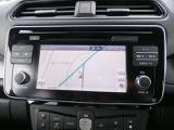 リーフ専用NissanConnectナビは充電スポットの自動更新や、Bluetooth対応//DVD再生/CD録音などの充実したAV機能、さらにさまざまなスマホアプリと連動、Apple CarPlayにも対応しています。