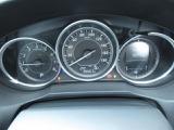 中古車では1年10000kmが平均的と言われる中でアテンザの走行が約26,700kmと 距離は平均より少なく安心してお乗りいただけます♪