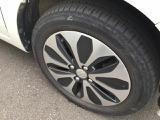 タイヤはまだまだ使えます。純正の15インチアルミホイール装着