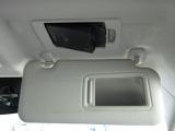 スマートインETC。マツダの車はオプションでETCを運転席バイザーの中、トップシーリングに取り付けできます。外から見えず、邪魔にならず、手がサッと届くといった良いことばかりです(^0^)