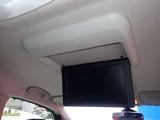 後席用フリップダウンモニター、後ろの方たちも楽しいドライブ♪