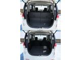両側スライドドアで乗り降りが楽にできて、リヤシートも広く乗れます&足元も広いです。