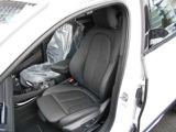 ブラック・ダコタ・レザーの両席電動スライドシート&両席シートヒーターを装備☆お問合せ(無料ダイヤル)0066-9711-613077迄お待ちしております。