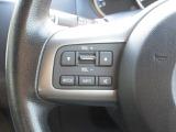 ハンドルにオーディオを操作するスイッチが付いてます。