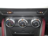 運転席、助手席に3段階調整可能なシートヒーター装備☆寒い日は体の一部が温まります。