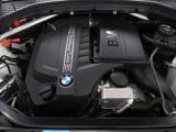 BMW直列6気筒EG低速から滑らかに力を発揮しタコメーターが上り詰めるのと同調するように素晴らしいサウンドを楽しませてくれます。他のエンジンでは再現できないこのBMWフィーリングをぜひご堪能してください