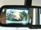 駐車もラクラクのリアカメラ付です