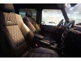 ホールド性の高いAMGスポーツシート。シートヒーター、シートエアコン搭載。
