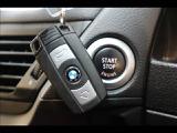 【スマートキー】 車内へのアクセス楽々、今や必須アイテムの「スマートキー」には、キー複製防止「イモビライザー」まで備わっております。