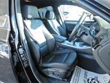 車内もキレイで嫌な臭いもありません!ブラックを基調としたスタイリッシュな内装です。シートの状態も良好で内装もキレイです。別途消臭やイオンクリーニング等も承っております。