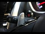 ドライバーの任意でシフトチェンジ可能、操作性に優れた「パドルシフト」を装備。