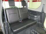 後席シートも有りますが足元は広くありません!