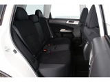 セカンドシートも厚みがあろ座りやすい構造になっていますので、長時間のドライブでもリラックスできます。
