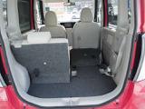 シートは簡単に倒すことが出来るので用途に合わせてスペースを有効活用できます