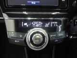 オートエアコンはセンサーによって、窓から差し込む日射、室温、外気温などを検知し、 そのデータを元に自動的にエアコンをコントロールして室温を一定に保ってくれます!!