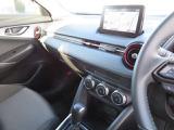 オートエアコンで車内は自動で快適に調整されます