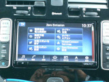 リーフのナビはナビ機能だけではなく、フルセグTV、DVD再生、音楽録音機能搭載◎さらに電気自動車特有のバッテリーの状況や、走行状態からの到達距離や充電スポットの検索まで多彩です☆