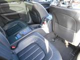 左ハンドルです♪本革シートでパワーシート、メモリーシート付きです♪内装クリーニング実施済み★二列目は独立のシートになります♪