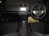窓ガラスが大きく車両感覚も掴みやすく運転のしやすいお車です♪