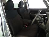 フロントシート安全運転を重視したコクピットです。長距離運転にも疲れにくいシッカリとしたシートです。一度座ってみて下さい。