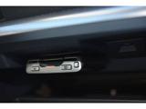 ETCは純正ならではの足元を妨げない工夫をこらしており、ETC2.0搭載車です。周辺のITSスポット道路状況や渋滞情報も表示可能でございます。