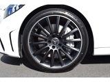 【マッドブラックペイント19インチAMGマルチスポークホイール】タイヤ空気警告システムによりパンク等のアクシデントがメーターに表示され、いち早くお気付き頂けます。