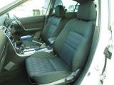 運転席は高さ調整機能があります 適切な運転姿勢を保てます