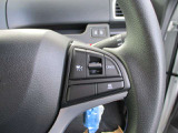 高速道路走行の際に役立つアダプティブクルーズコントロール!前方の車との車間距離を一定に保ちながら走行できます!アクセル操作などもいらないので非常に楽ですよ!