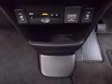 ETCの他、フロントシートはシートヒーター付き。寒い季節にはとても嬉しいですね。
