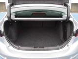 ドアの開閉角度も大きく乗り降りが楽にできて、リヤシートも広く乗れます&足元も広いです。