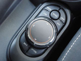 ナビの操作は、タッチパネルの他に手元でナビを操作できるコントロールパネルがあります。遠方納車も可能です!お気軽にご相談ください。0066-9711-369993 MINI一宮まで!