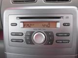 CD付きです。当たり前の装備ですが、無いと困りますよね。お好きな音楽をかけて、快適空間を演出して下さい。