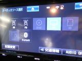 嬉しい装備です♪フルセグTV・DVD再生・Bluetoothオーディオに対応しています!!