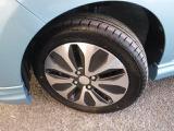 タイヤは165/60R15と純正アルミホイールを装着。足元のお洒落も気になりますよね!