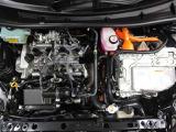 当社自慢の『まるまるクリン』でエンジンルームもピッカピカ!
